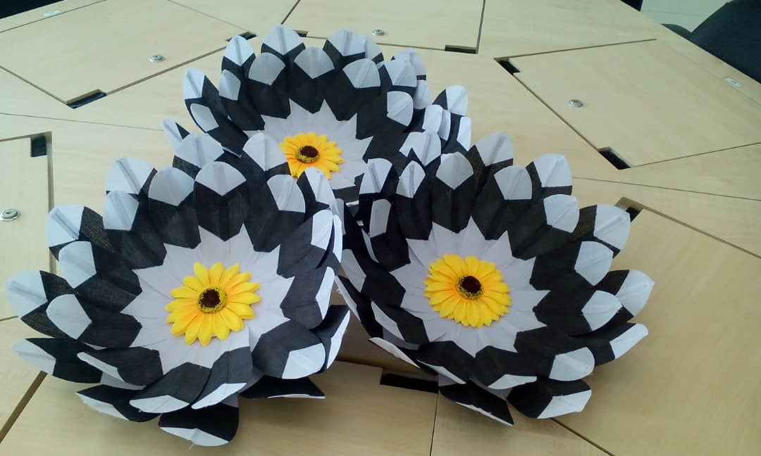 Kirip (synthetic hornbill feather fan )