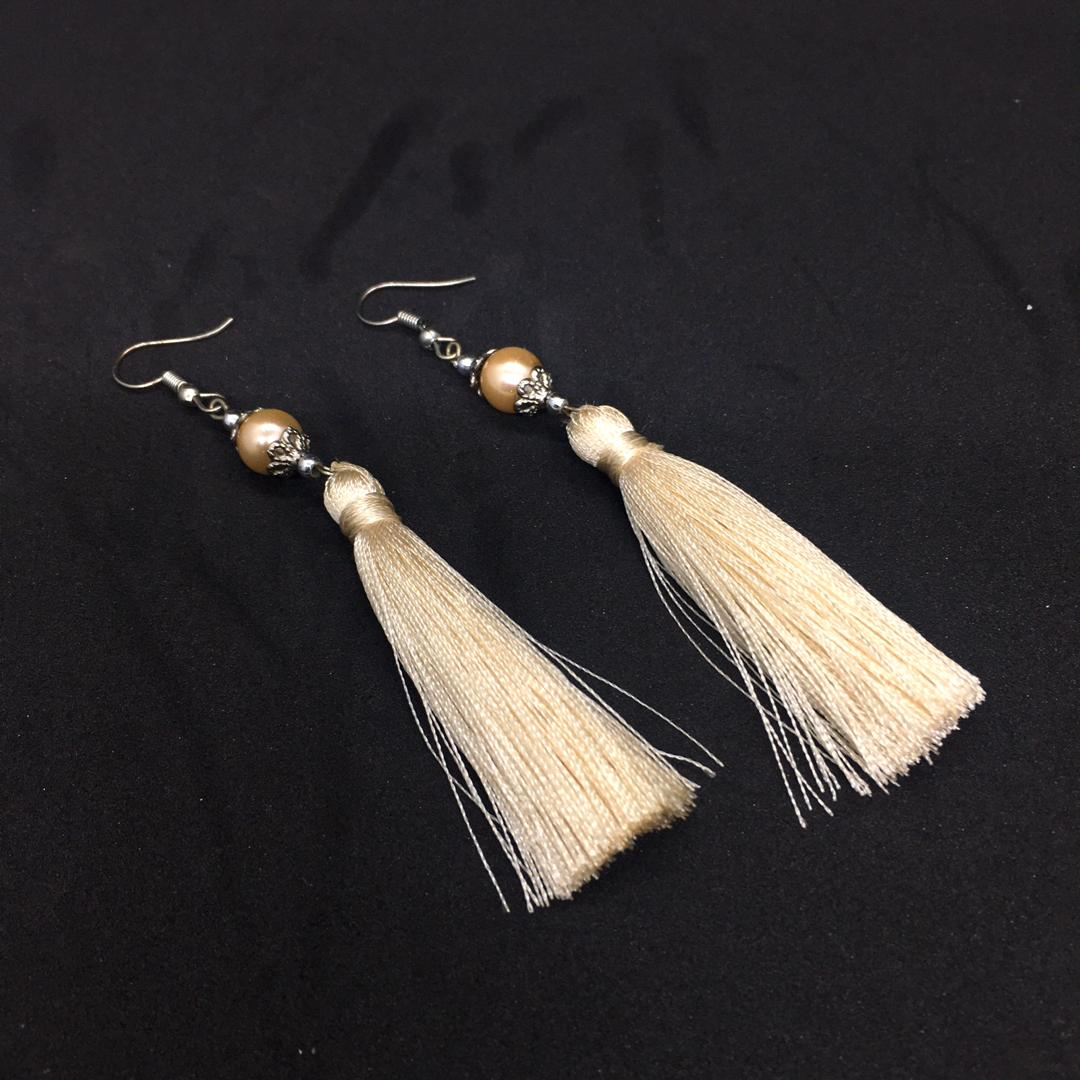 Elegent Pearl with Golden Thread Earrings (One pair)