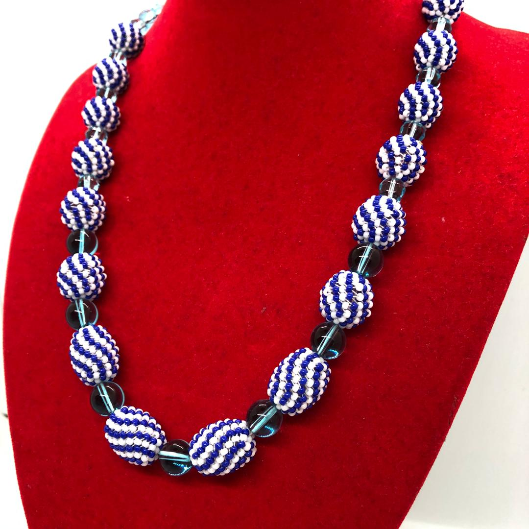 Beads Ball Necklace (Blue/White)