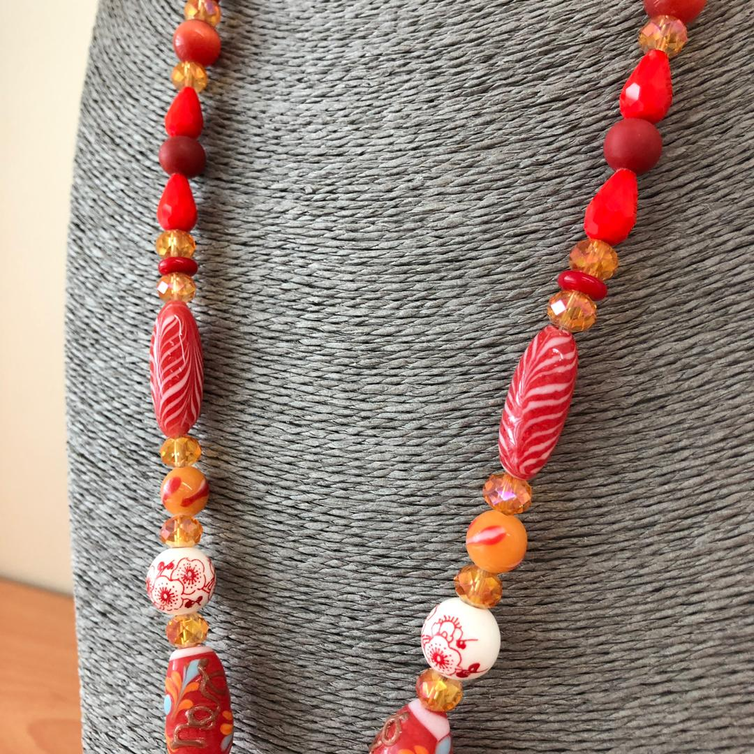 Ladies Kabo with Porcelain and Glass beads (Borneo Handmade)