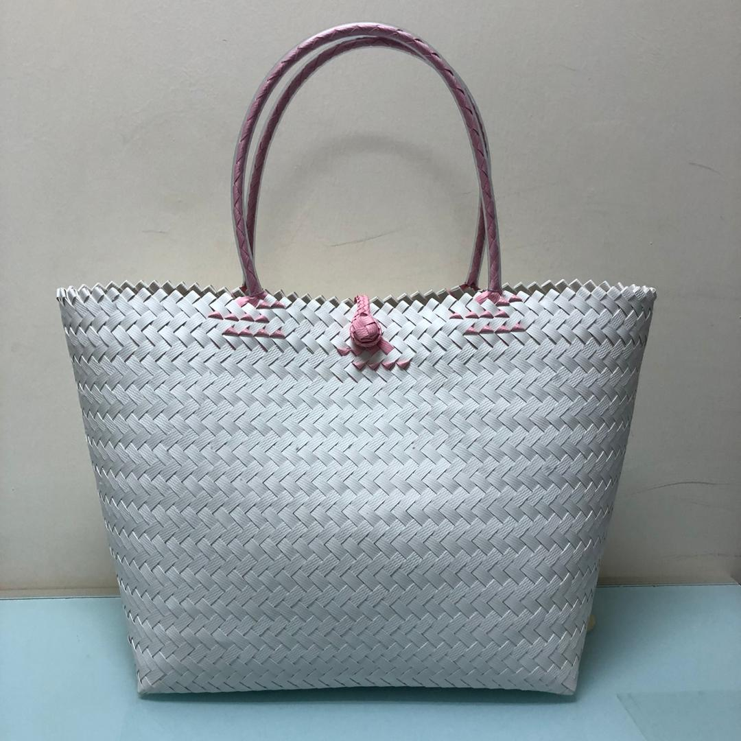 Handwoven Penan Basket - Medium (White)